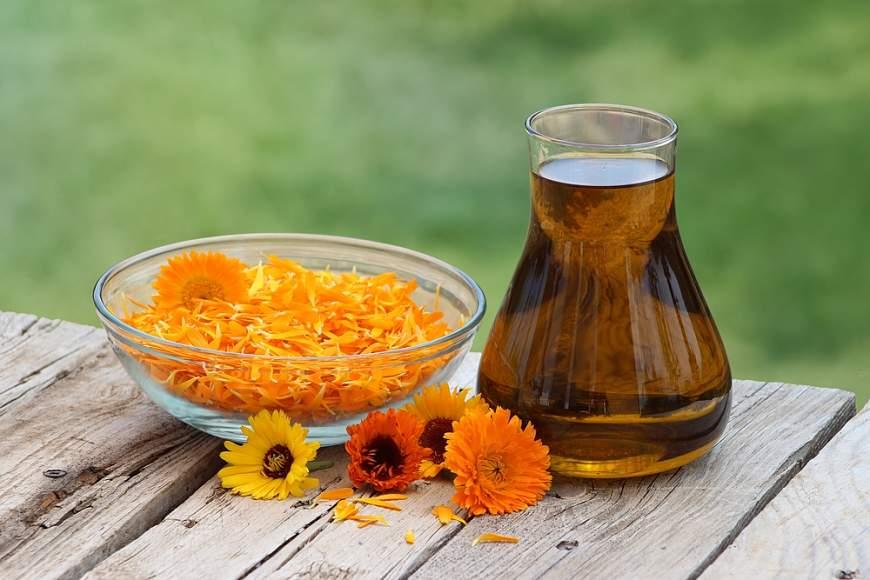 como cuidar la piel durante el embarazo aceite de caledula