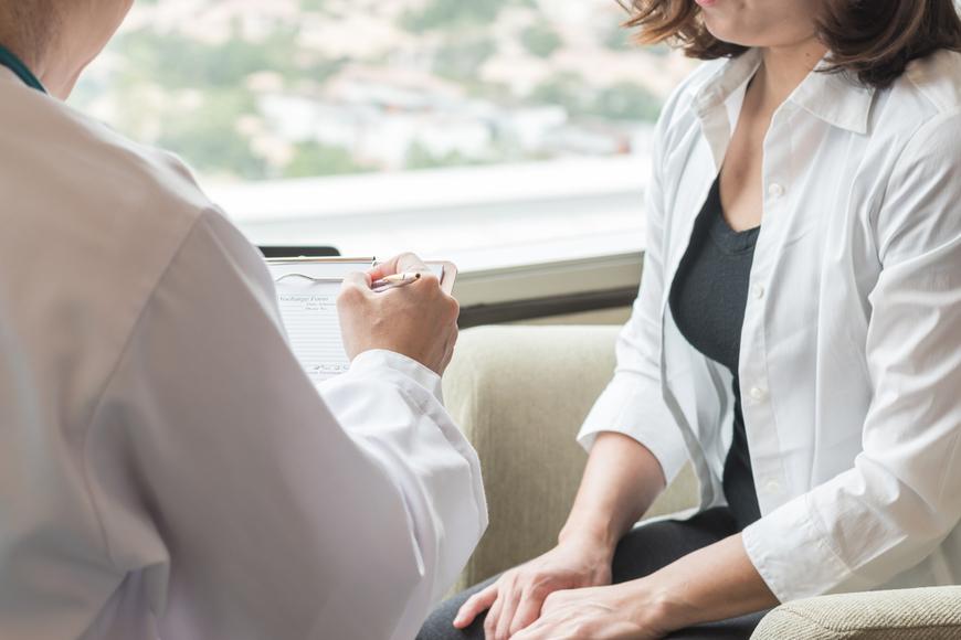 Cuales son los síntomas del cancer de mama?